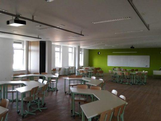 Učilnica z zloženo steno