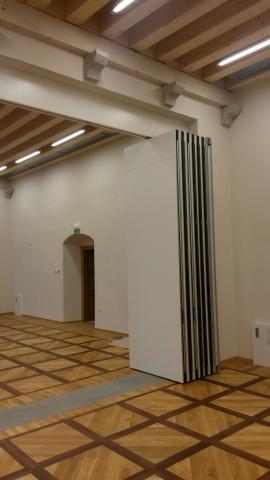 Zložene stene HUFCOR v konferenčni dvorani gradu VIPOLŽE