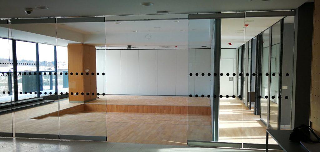 Knjižnica Radovljica - premične stene HUFCOR 100K in steklene premične stene G3000