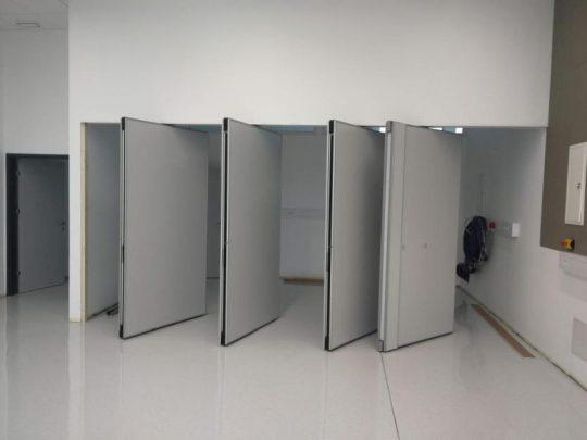 Premična stena v učilnici 1.