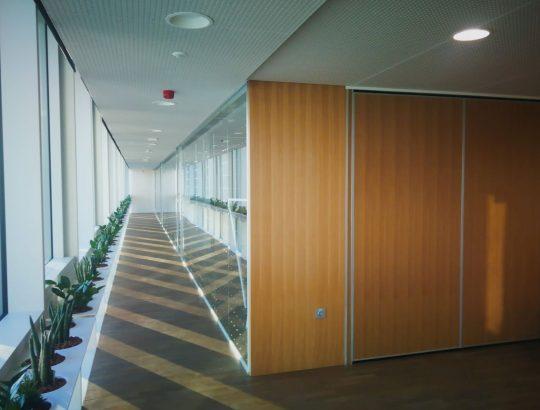 Zaključek premične stene ob hodniku